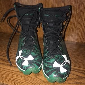 Youth Under Armour Football Cleats sz 4